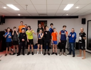 Kickboks training voor JO17