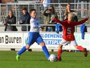 Sportclub veel te sterk voor Hulzense Boys